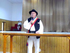 Primarul Nicolae Barbu prezintă lucrarea