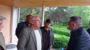 Pensionarii, de vorbă cu vicele Ionică