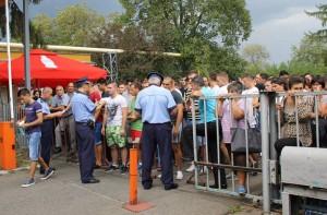 Mulţi s-au înscris la concurs, puţini vor ajunge poliţişti