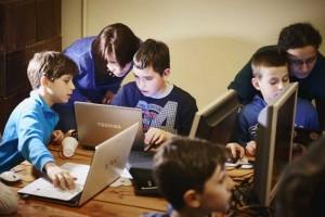Proiect educaţional iniţiat de Renault