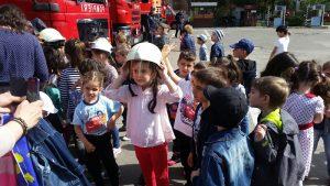 Elevii, în vizită la pompieri