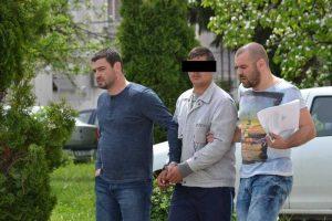 Minorul criminal, escortat spre arest
