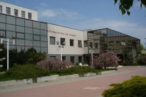 Universitatea din Piteşti îşi alege decanii
