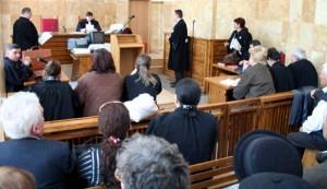 Judecătorii au admis excepţiile invocate de inculpaţi