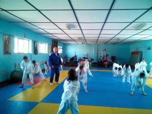 Micii judoka de la SCM-CSM Piteşti se pregătesc cu gândul la  medalii