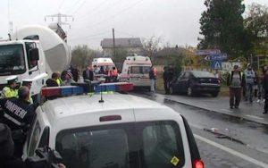 Viteza şi şoseaua udă au stat la baza celor două accidente rutiere