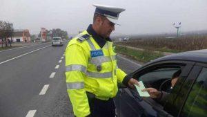 Poliţistul a stabilit că şoferul nu avea permis de conducere
