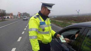 Permisul prezentat de şofer era fals