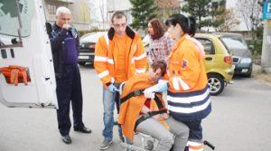 Funcţionara, luată de ambulanţă de la audieri