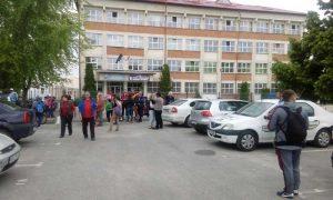 Sportivii şi antrenorii, evacuaţi din club