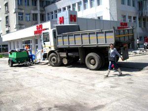 Lucrări începute şi neterminate în parcarea Spitalului Judeţean