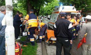 Echipa medicală a preluat resuscitarea bărbatului