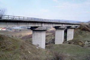 Calea ferată spre Râmnicu Vâlcea se degradează