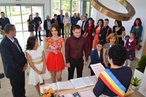În noua Casă a Căsătoriilor s-a auzit de 14 ori