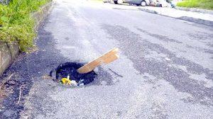 Cratere pe unele străzi din Piteşti