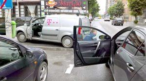 "Angajatul ""Telekom"" verifică daunele"
