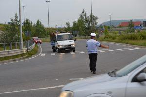 Microbuze cu călători, verificate de poliţişti