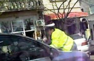 Poliţist rănit de un şofer irascibil