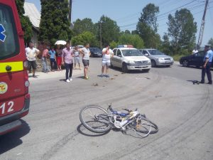 Bicicleta distrusă, rămasă la locul evenimentului