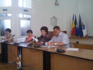 Cornel Ionică susţine că apa de la izvoare e potabilă