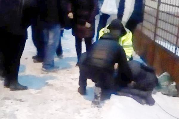 Accidentată în staţia de maxi-taxi