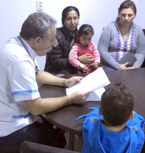 Iniţiativă lăudabilă la Spitalul de Pediatrie - Cadrele medicale citesc poveşti, desenează şi cântă cu copiii!