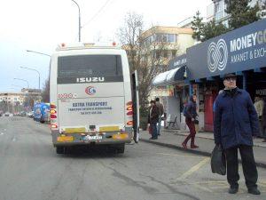 """Staţiile de autobuz, folosite mai mult de """"privaţi"""" decât de """"Publitrans"""""""