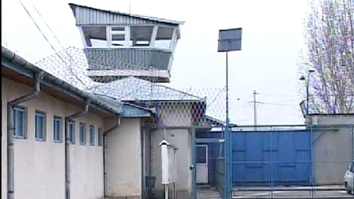 AZI - La Penitenciarul din Mioveni, drogurile se plimbă libere prin celule, cu ajutor de la gardieni