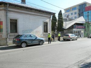 Şoferi amendaţi pentru blocarea trotuarelor
