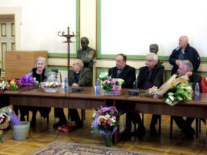 """Lansare de carte la Facultatea de Medicină – Studenta Ioana Dicu – """"În căutarea iertării"""""""