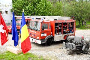 Maşini de pompieri donate de elveţieni la Brăduleţ