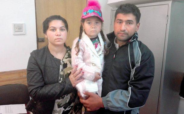 O familie din Bălileşti trăieşte fără curent electric