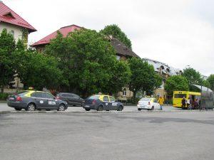 Pe lângă şoferii de microbuze – Şi taximetriştii încurcă circulaţia autobuzelor