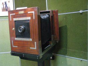 Restauratorii Muzeului Judeţean şi-au pus... amprenta pe o expoziţie