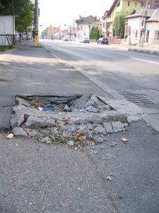Crater pe bulevardul N. Bălcescu