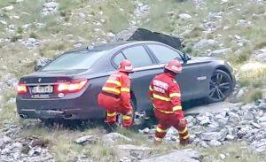 BMW, în râpă pe Transfăgărăşan