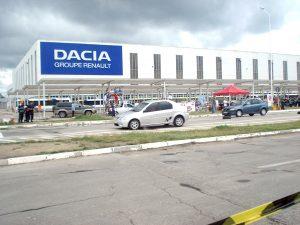 La Dacia, sindicatul a obţinut creşterea salariilor pentru angajaţi