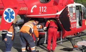 Electrocutat trimis cu elicopterul la Bucureşti
