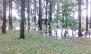Parcul Lunca Argeşului, de nefolosit după fiecare ploaie mai acătării