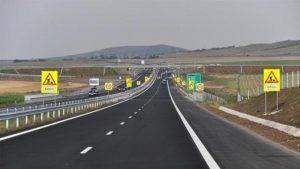 Milioane tocate pentru o autostradă de hârtie