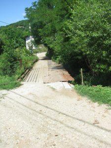 În locul podului ruginit va fi construit unul nou