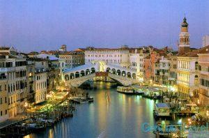 Idei de vacanţă - Minisejur la Veneţia, la preţ incredibil de mic