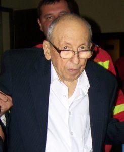 Scriitorul Marin Ioniţă i-a dat morţii un autograf