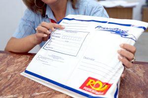 Argeşenii vor primi permisele de conducere tot prin poştă