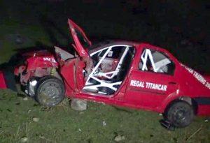 Un pilot de curse s-a răsturnat cu maşina în râpă