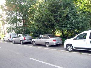 Blocarea trotuarelor, un flagel la Piteşti