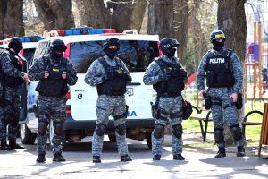 Ofiţerii Anticorupţie argeşeni au descins la Vâlcea