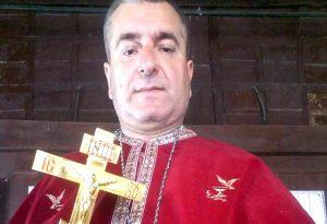 Preot din Argeş, printre protestatarii
