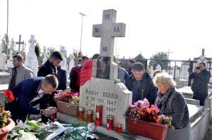 Fotbaliştii alb-violeţi, la mormântul lui Nicolae Dobrin