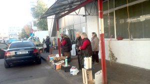 Pieţarii din Găvana au plecat care încotro...
